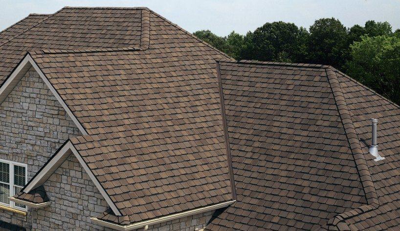 Vantagens e desvantagens de comprar telha de asfalto para sua casa