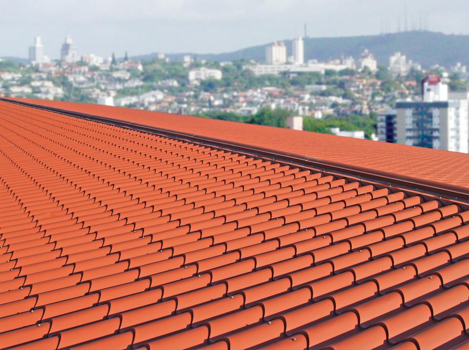 Confira vantagens e desvantagens da telha de cerâmica