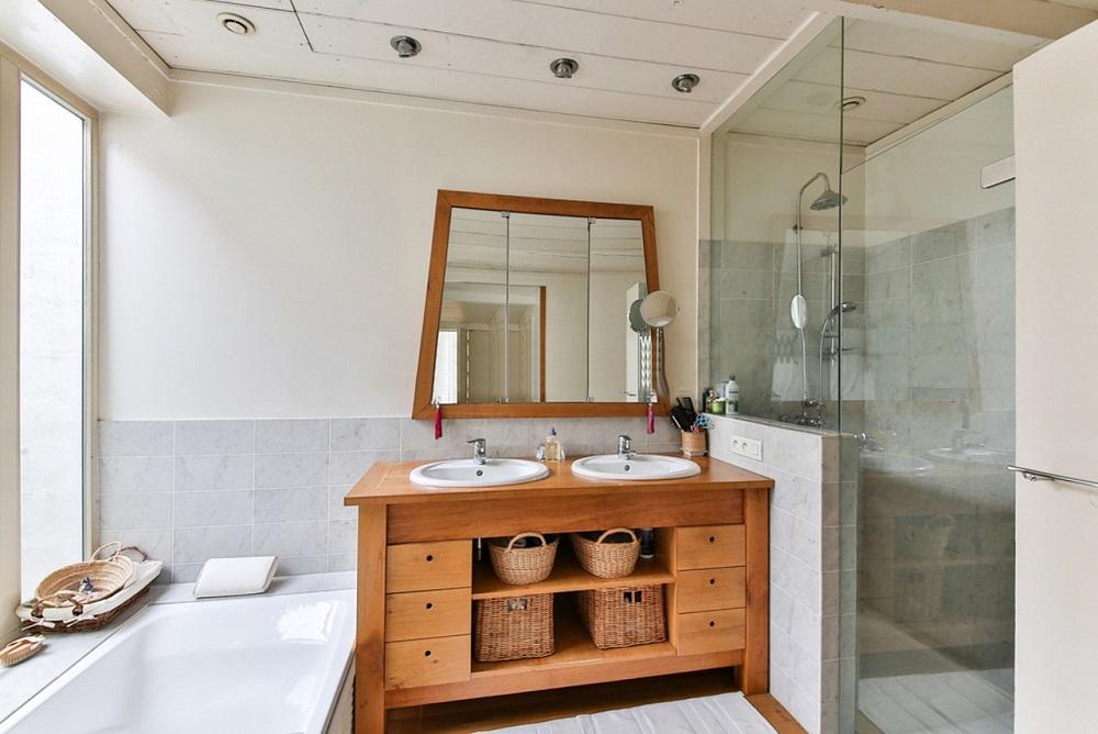 Por que optar pela pintura ao reformar banheiro de casa?